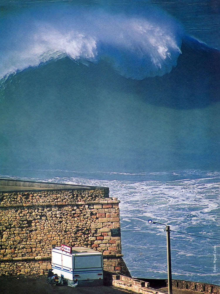 Praia do Norte, 1996: the photo taken by Miguel Costa was published in the German surf magazine 'Wave' | Photo: Miguel Costa