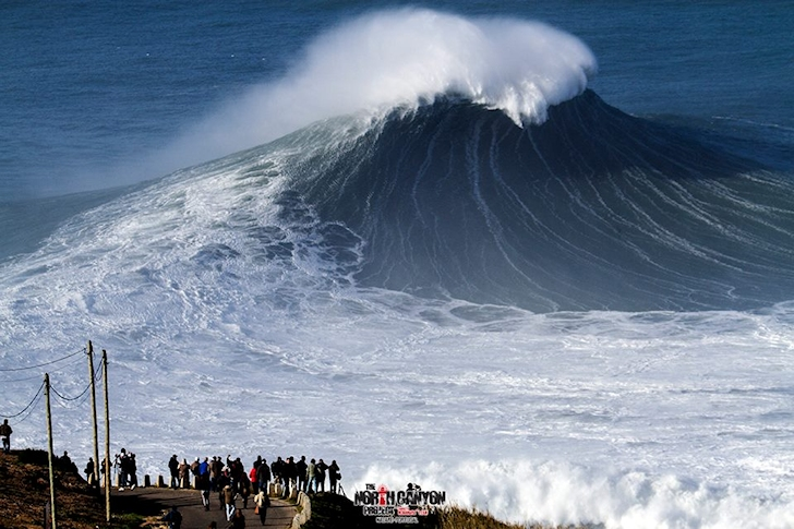 Praia do Norte: the liquid beast | Photo: Nazare North Canyon