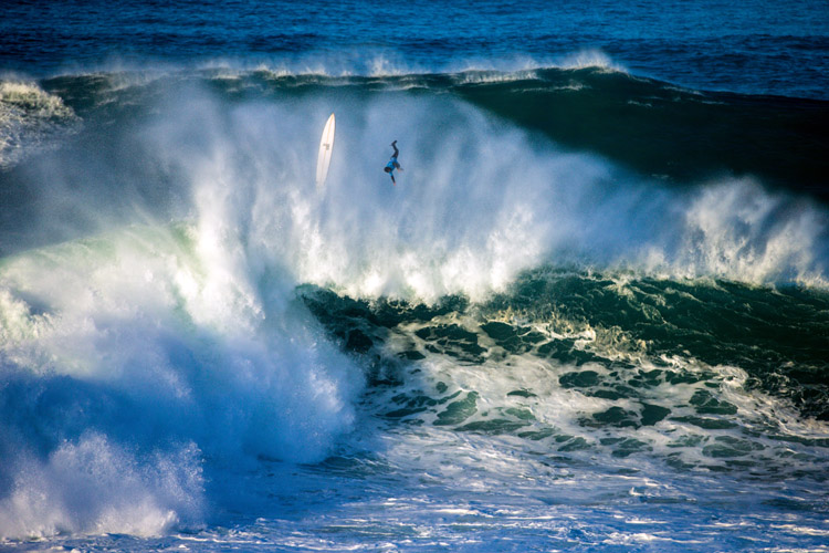 Nazaré: wipeouts should be avoided | Photo: Masurel/WSL