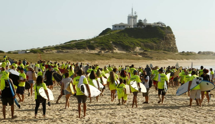 Nobbys Beach: 608 surfboards for the Guinness World Records | Photo: Power Creative