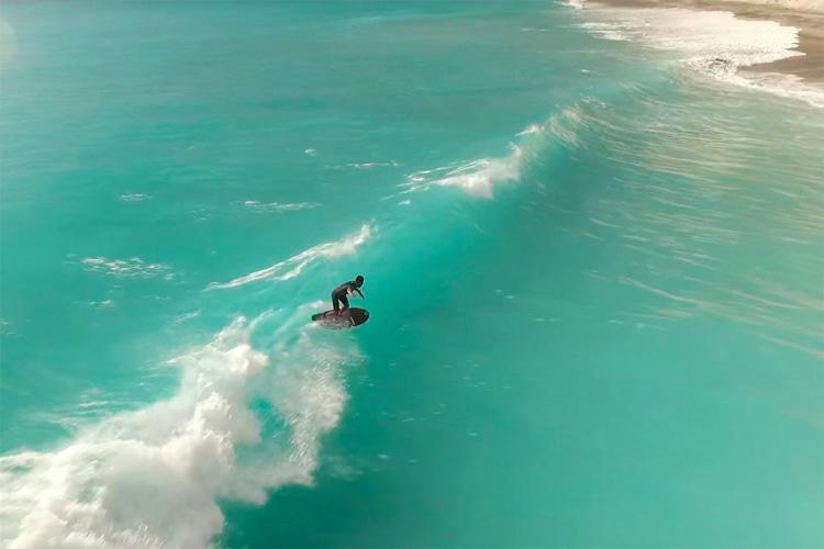 Surfing in Japan: Niijima Island   Tokyo Prefecture   Kantō Region   Photo: japansurf.com