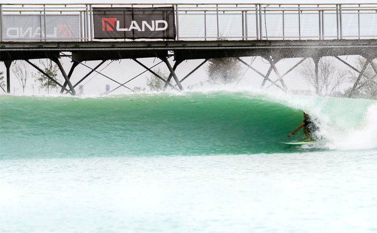 NLand: you can get barreled in Austin, Texax | Photo: Wavegarden