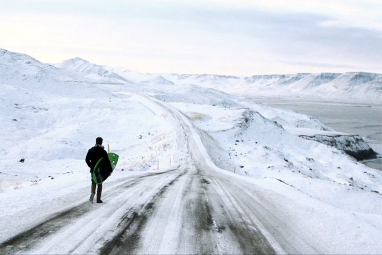 Iceland: surf is everywhere | Still: No Country For Cold Men