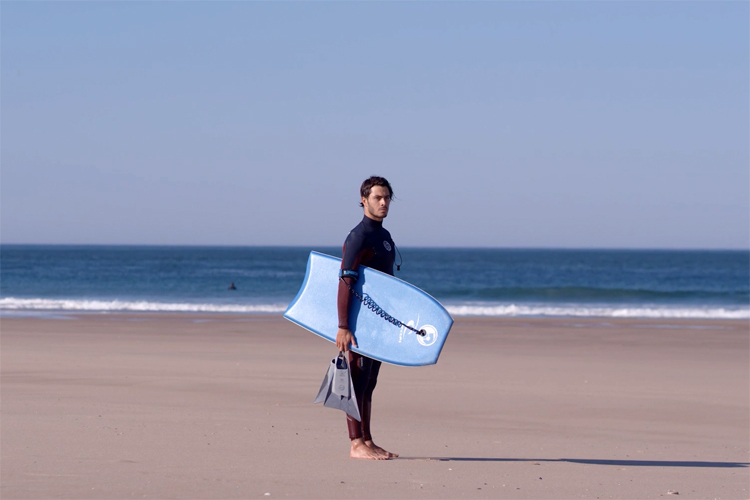'Pierre-Louis Costes: obrigado, Portugal' from the web at 'http://www.surfertoday.com/images/stories/obrigadocostes.jpg'