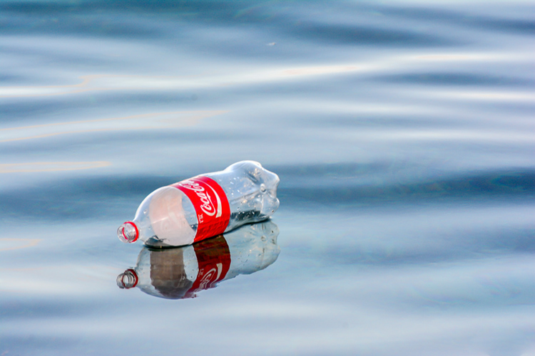 Plastics: by 2050, there'll be more plastics in the ocean than fish | Photo: Shutterstock