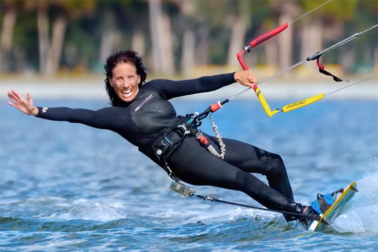 Kiteboarding: a water sport for all ages | Photo: WKC