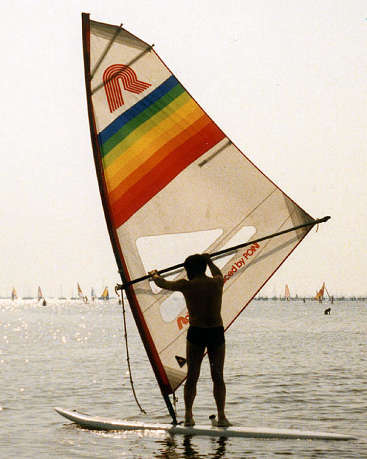 Raceboard: one of the first windsurfing classes | Photo: Creative Commons