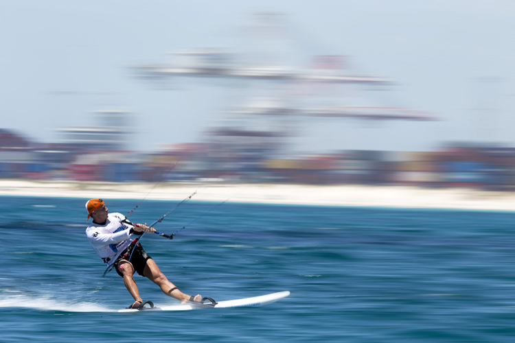 Kiteboarding: the IOC is pushing the sport into Tokyo 2020 | Photo: Hayto/IKA