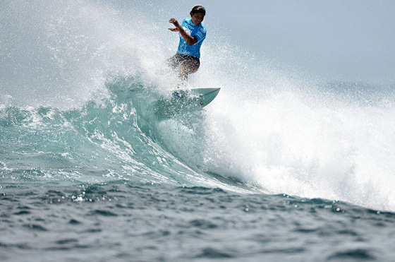 Surfing: riding the Olympic crest