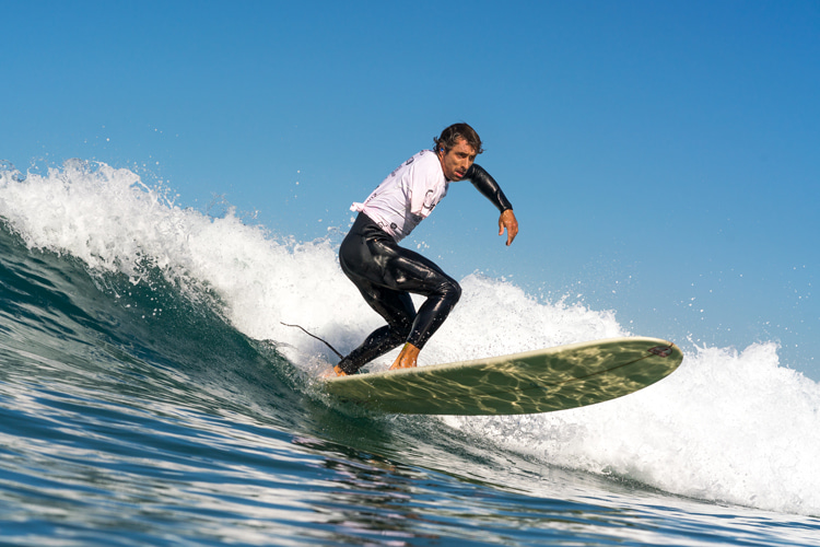 The definitive guide to one-arm surfing