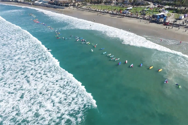 1 Wave Challenge: 103 surfer riding a single wave at La Jolla Shores