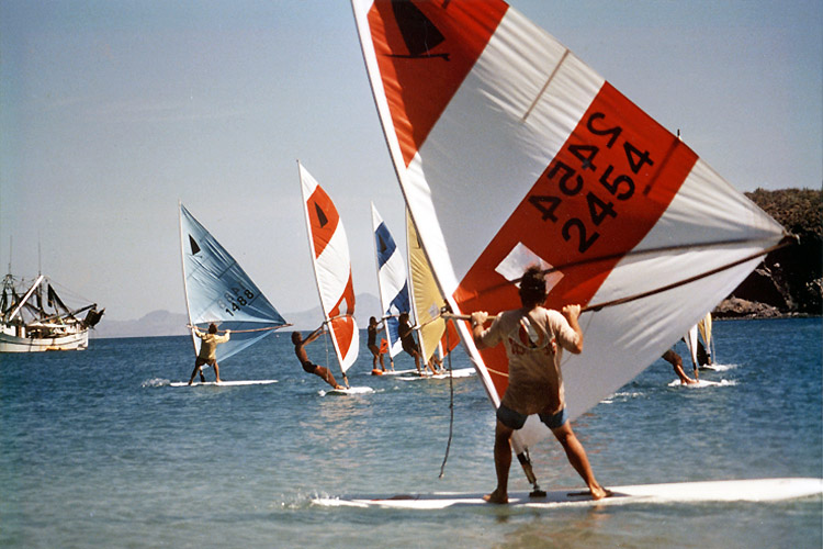 Original Windsurfer: nothing beats the 1970s windsurfing vibe | Photo: OriginalWindsurfer.com