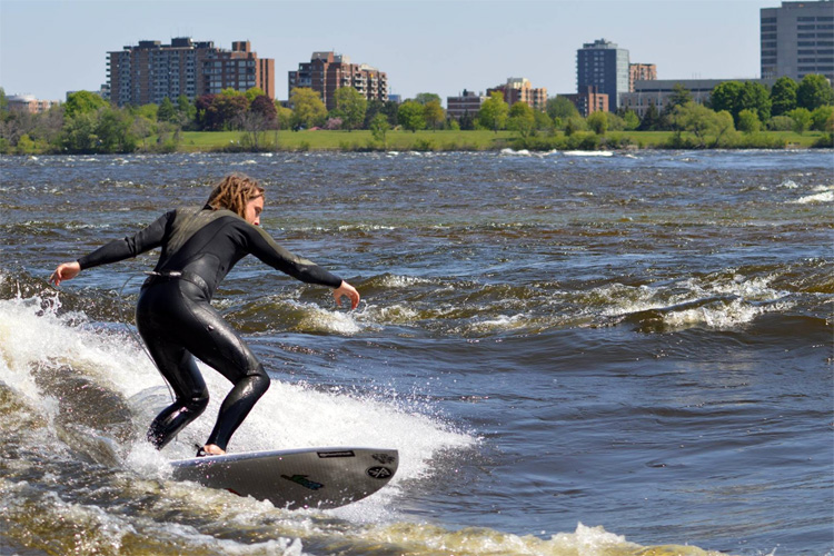 Ottawa River, Ottawa | Photo: Ottawa River Surfing Association