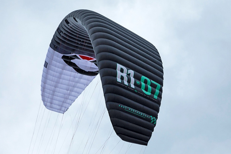 Ozone R1 V4: a Formula Kite model ready for Paris 2024 | Photo: Ozone