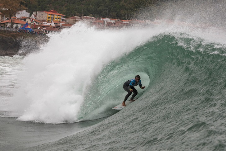 Pablo Solar: best wave at Mundaka | Photo: Edu Bartolomé/Red Bull