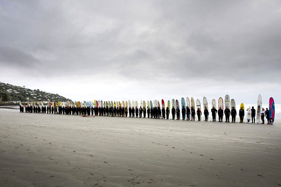 Kiwi surfers pay tribute to eco-hero Jonathan