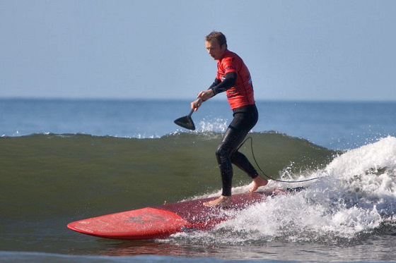 Stand Up Paddle: some surfers enjoy a helping hand