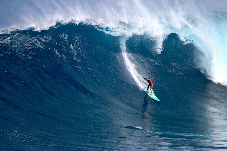 Paige Alms: a back-to-back win at the Peahi Challenge | Photo: Lynton/WSL