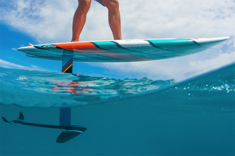 Papenoo Pro Convertible: a foil stand-up paddleboard | Photo: F-One