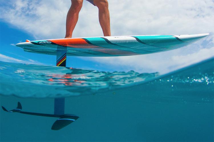 שורט סאפ פויל: לרחף בביצועים מעל גלים נמוכים