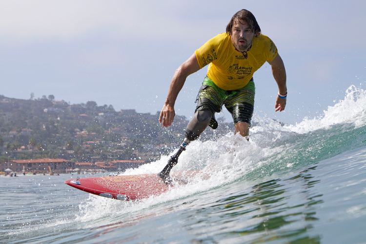 Para surfing: an adapted form of surfing for people with physical disabilities | Photo: ISA