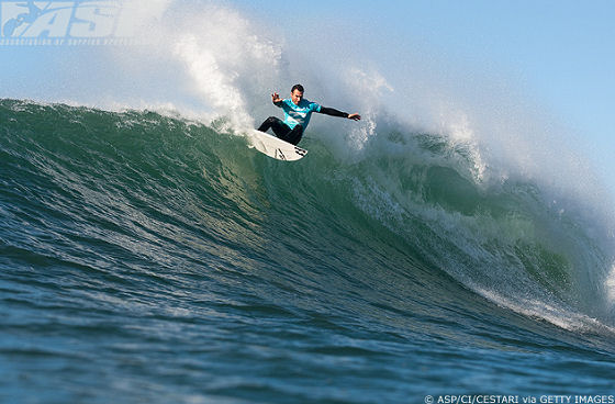 wins the 2009 Billabong Pro Jeffreys Bay