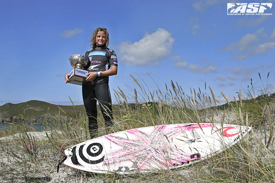 Pauline Ado: the surfboard rests after many miles