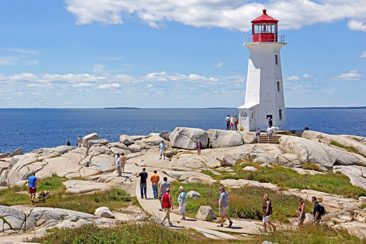 Peggy's Cove Lighthouse: one of the most photographed structures in Atlantic Canada | Photo: Jarvis/Creative Commons