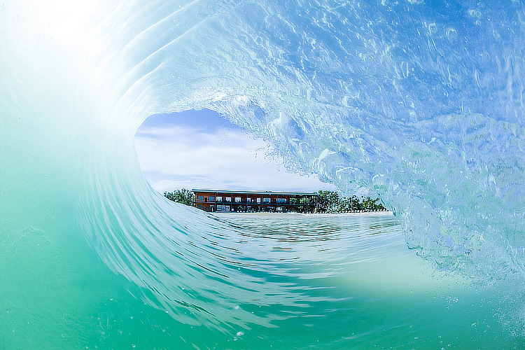 PerfectSwell: the barrel view from the wave pool by American Wave Machines | Photo: AWM