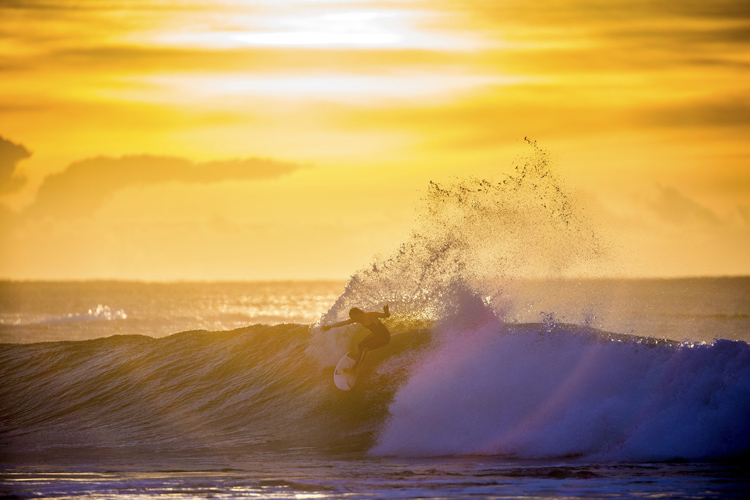 Surfing: it's all about riding a perfect peeling wave | Photo: Red Bull