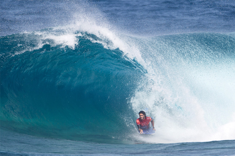 Pierre-Louis Costes: getting barreled at El Fronton | Photo: APB