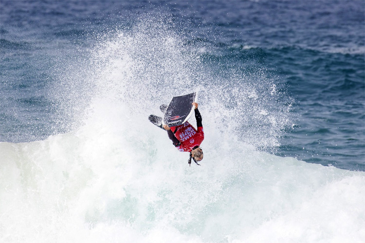 Pierre-Louis Costes: the backflip king in action at Kiama Surf Beach | Photo: APB