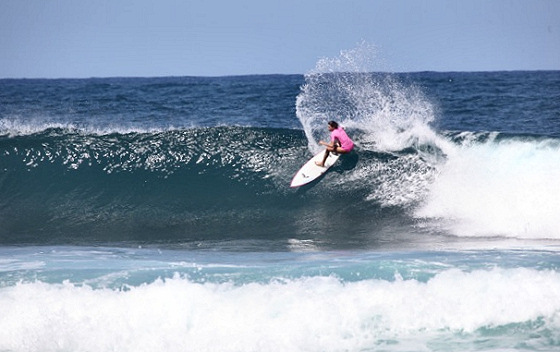 Pipeline Womens Pro 2013: beautiful waves, beautiful surfers