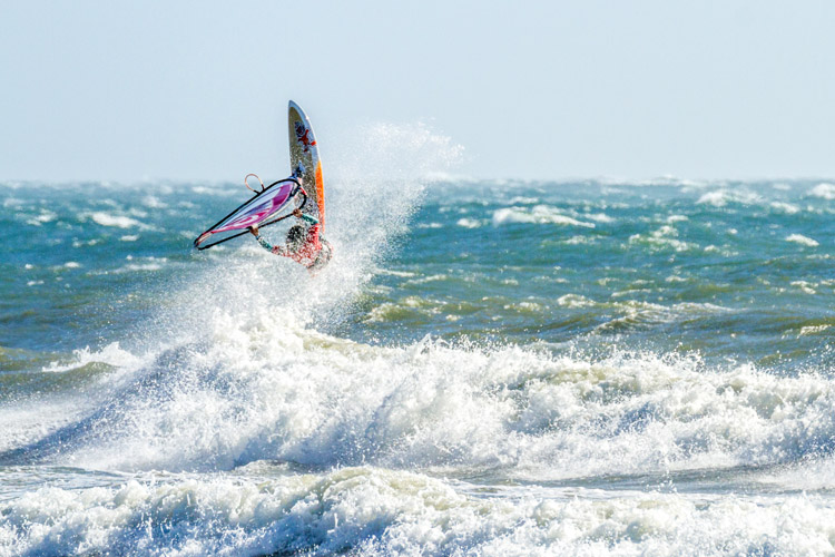 2015 Pistol River Wash Bash: strong winds and a powerful swell | Photo: Lucky Beanz