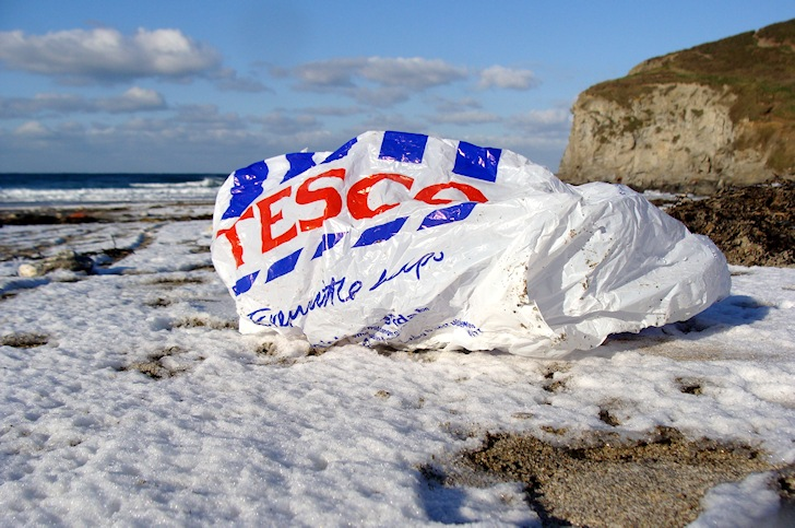 Plastic bags: killing waves and marine life | Photo: Surfers Against Sewage