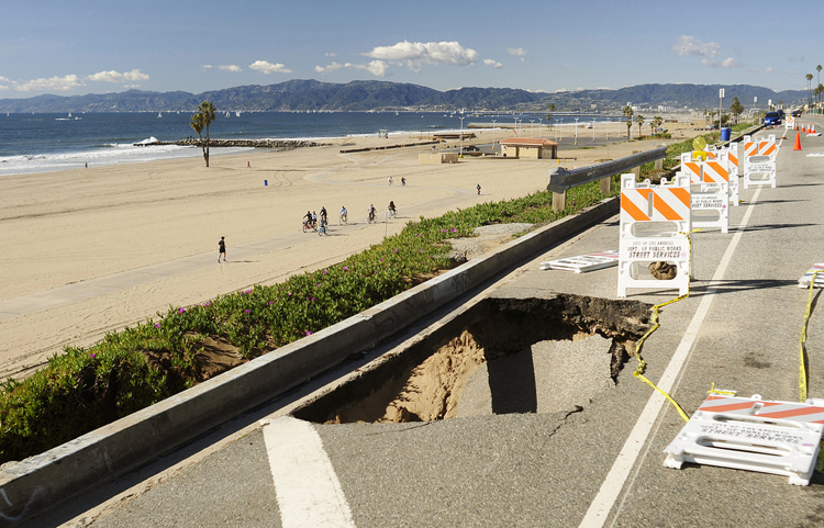 Playa del Rey: walkways, roads, and all the jetties and storm drain south of Imperial Highway need urgent repairs | Photo: Raymond Wheeler