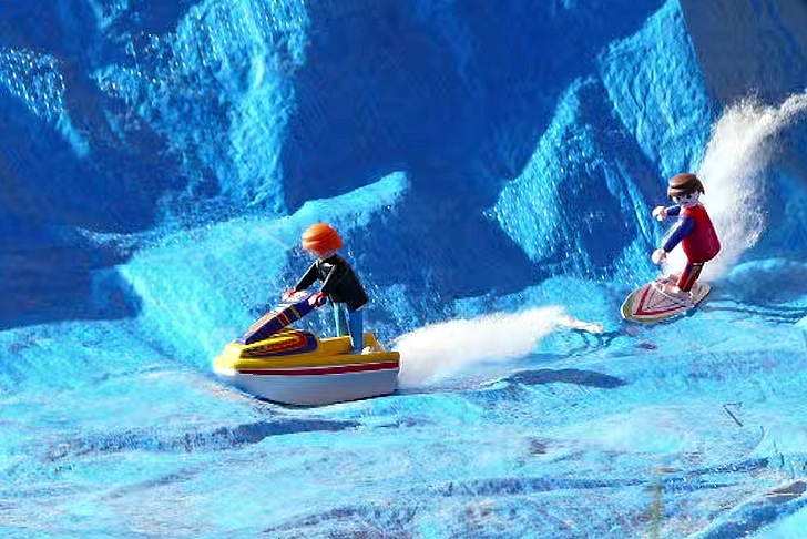 Perfect Holiday: Playmobil surfer getting pitted with jetski assist