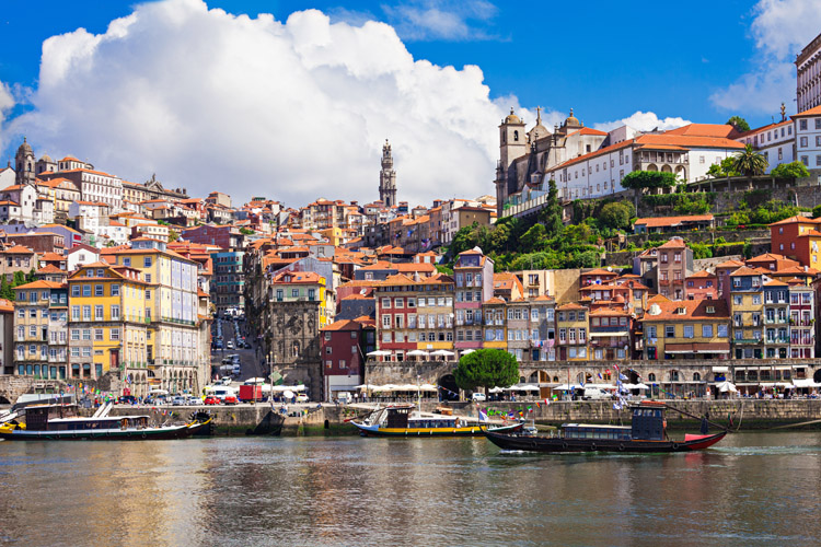 Porto, Portugal: a World Heritage Site by UNESCO and the city that gave name to Portugal | Photo: Shutterstock