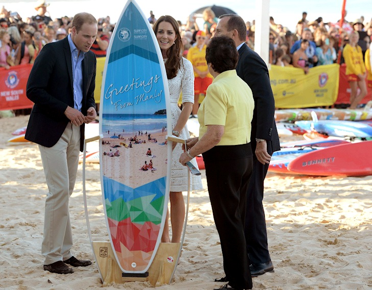 Prince George gets a surfboard shaped in New South Wales