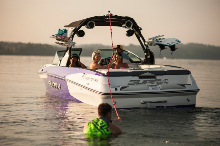 Pro Wakeboard Tour: Supra Boats SE550 will wake up the pros | Photo: Supra Boats