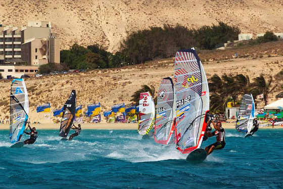 Pro Windsurfing: bigger and better