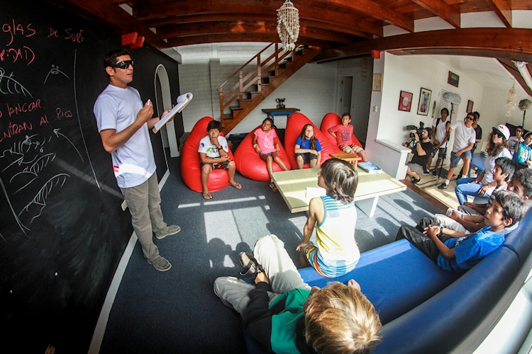 Proyecto Sofia Mulanovich: a surf academy for talented Peruvian kids | Photo: Proyecto Sofia Mulanovich
