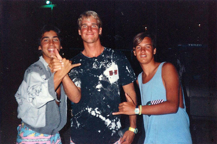 Pedro Sequeira, Mike Stewart, and Manuel Gonzalez: sharing good times at a 1989 PSAA contest in Aguadilla, Puerto Rico | Photo: Gonzalez/VBC