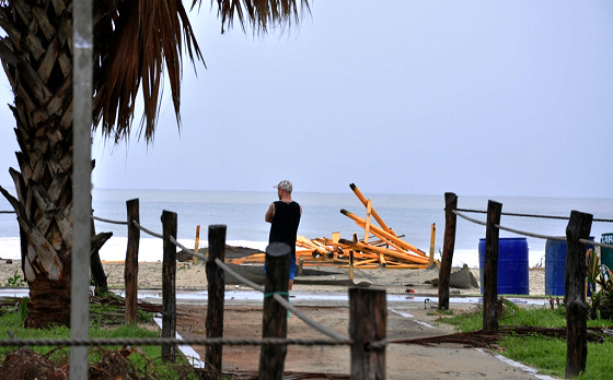 Puerto Escondido: Hurrican Carlotta severely damaged the Mexican Town