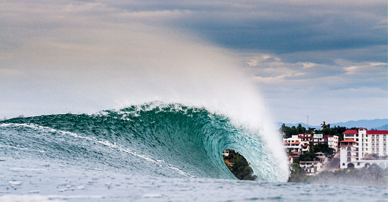 Puerto Escondido: perfect barrels for perfect riders