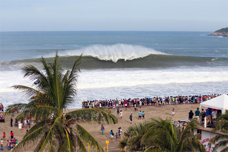 Playa Zicatela: one of the heaviest beach breaks in the world | Photo: Hinkle/WSL