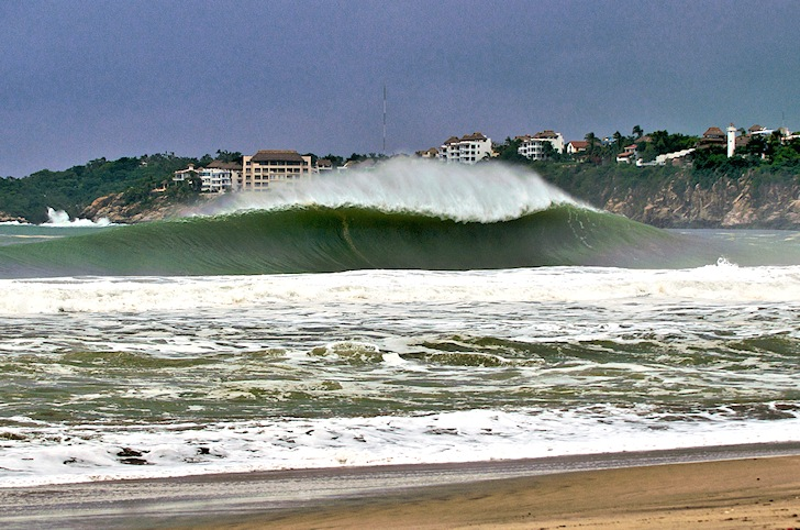 Puerto Escondido: a perfect A-frame wave