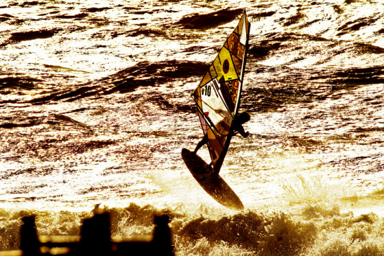 PWA World Tour: waves, freestyle and slalom show