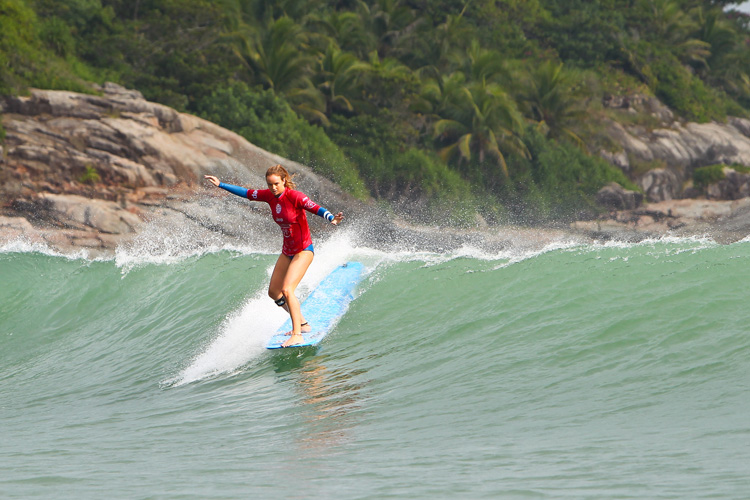 Rachael Tilly: world longboard champion at 17 | Photo: WSL