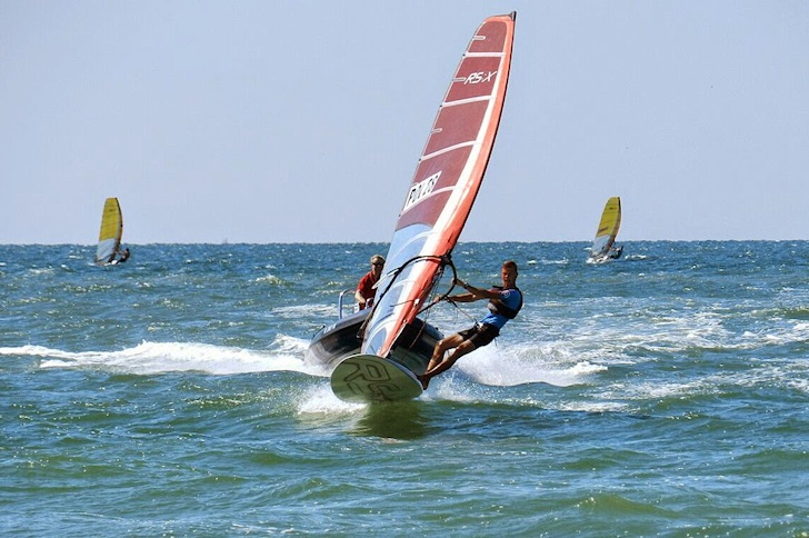 Radoslaw Furmanski: faster than boats | Photo: RSX Youth World Championships